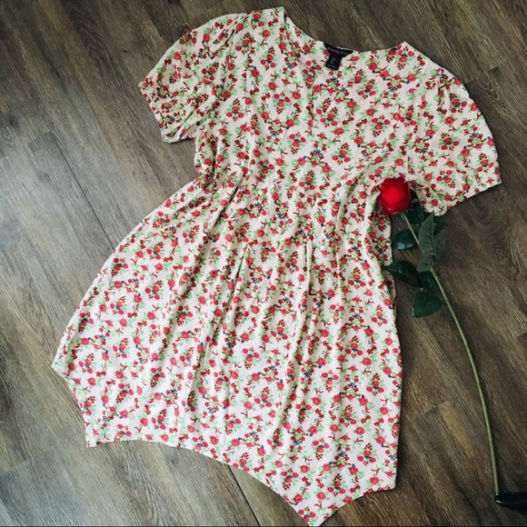 Adorable Floral Baby-Doll Dress!